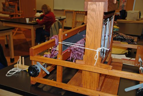 Table loom side view