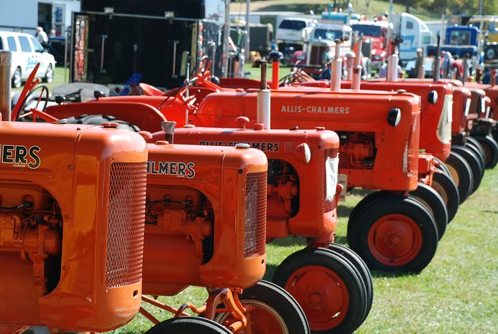 Row of allis chalmers