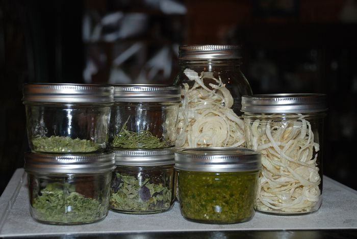 Dried herbs and pesto